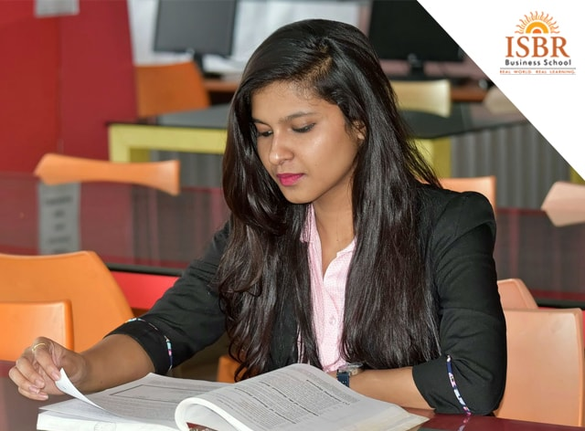 How Management Studies Help With Your Career Choice
